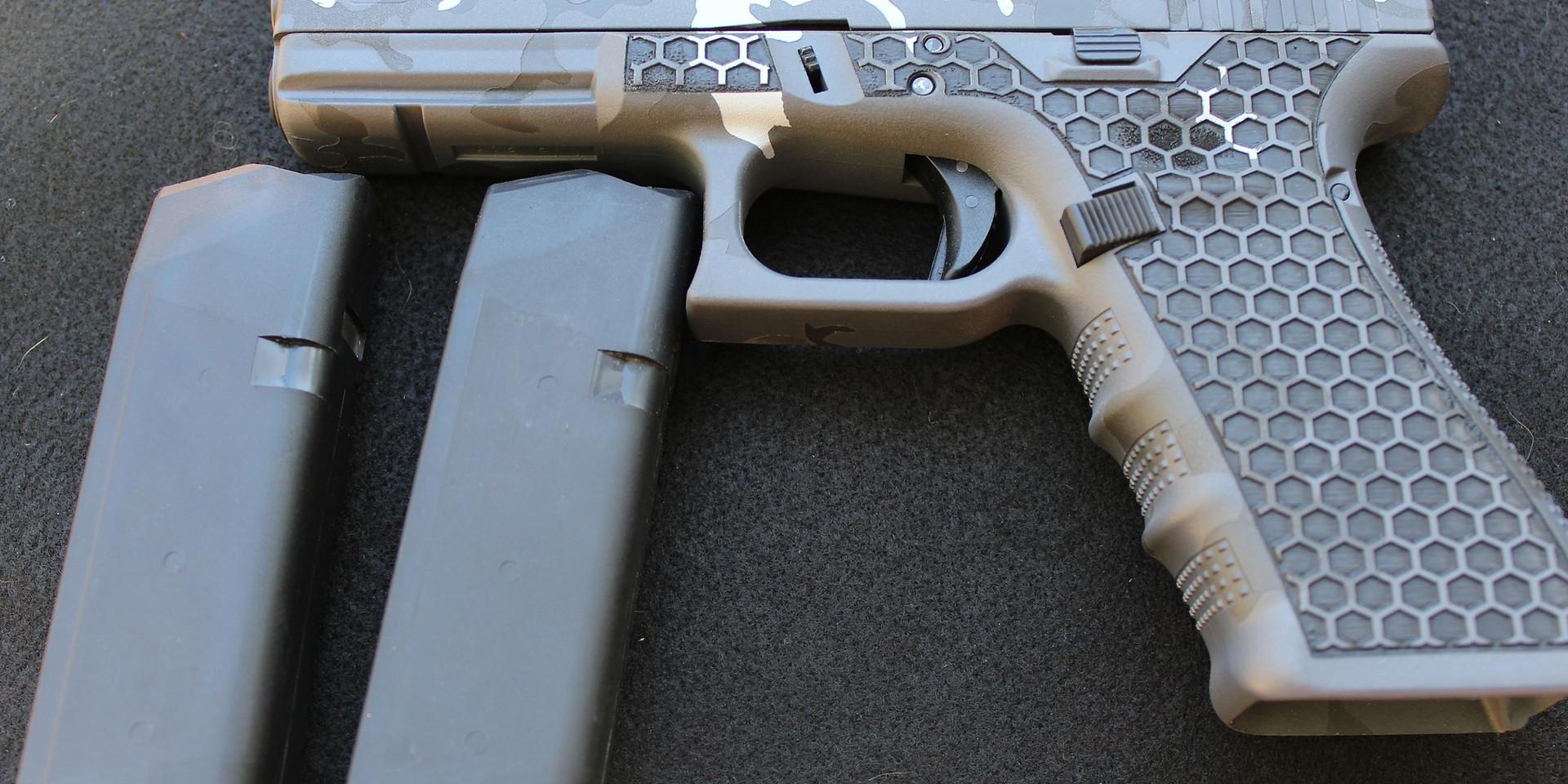 Grey Cammo on the Glock 17 Gen 4