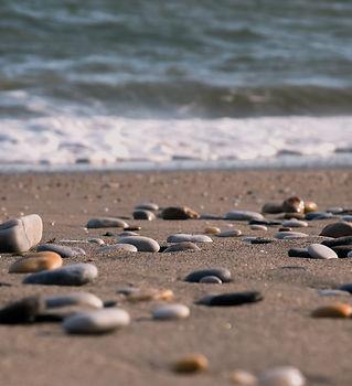 stones-shore-beach.jpg