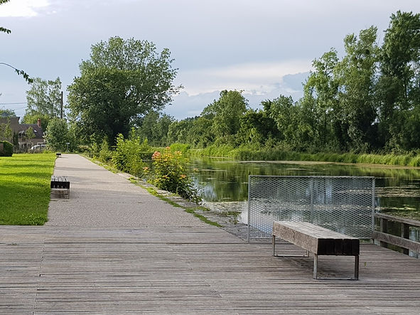 la bicyclette canal bourges.jpg