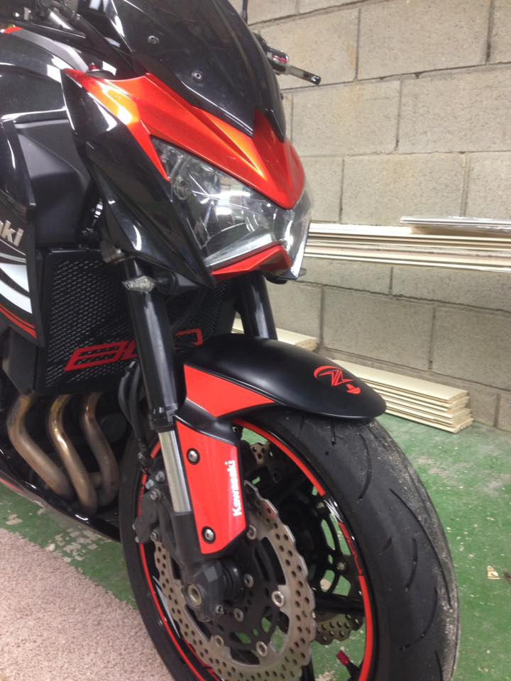 moto guardabarros adhesivo z800