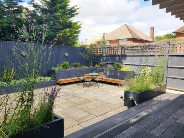 Urban Garden, Salfords