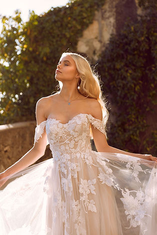 ELORA-ML8518-LACE-AND-TULLE-GOWN-WITH-FI