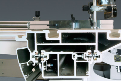 The hard anodized sliding table is precision machined. The heart of the sliding table is 8 hardened steel rods inserted into the table extrusion, thus making the whole system extremely wear-free.