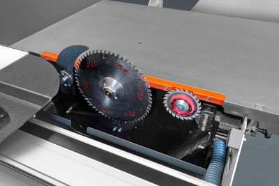 350 mm saw with scoring blade