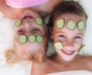 Girls%2520with%2520Cucumber%2520Facial_edited_edited.jpg