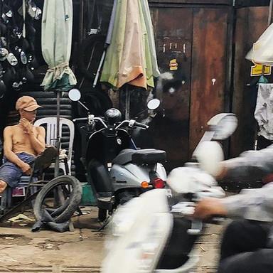 L A I D  B A C K_Day 12_#cambodia #digit