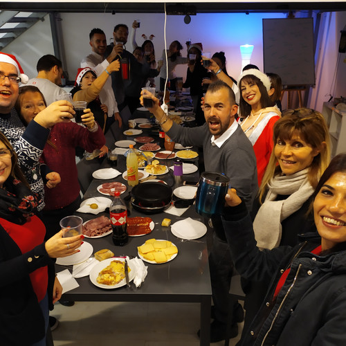 Un repas d'équipe pour fêter la fin de l'année