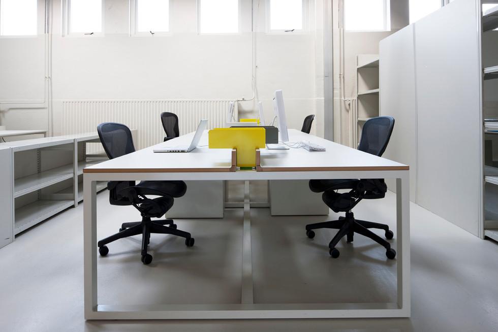 SA desk system / studio