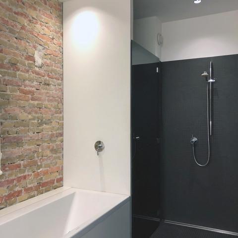 bathroom / view 2