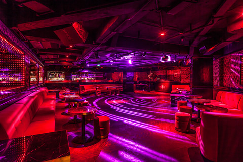Le Baron / dance floor