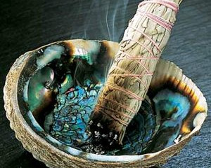 How to Smudge? Sage Your Space!