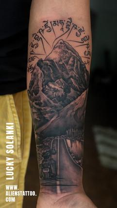 Traveller-Mountain-Bike-Tattoo-by-lucky-solanki-aliens-tattoo