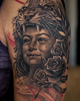 daughter-tattoo-realistic-lion-portrait-