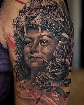 daughter-tattoo-realistic-lion-portrait-