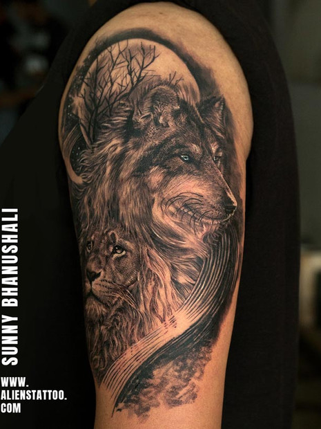 lion-wolf-tattoo-realistic-animal-tattoo
