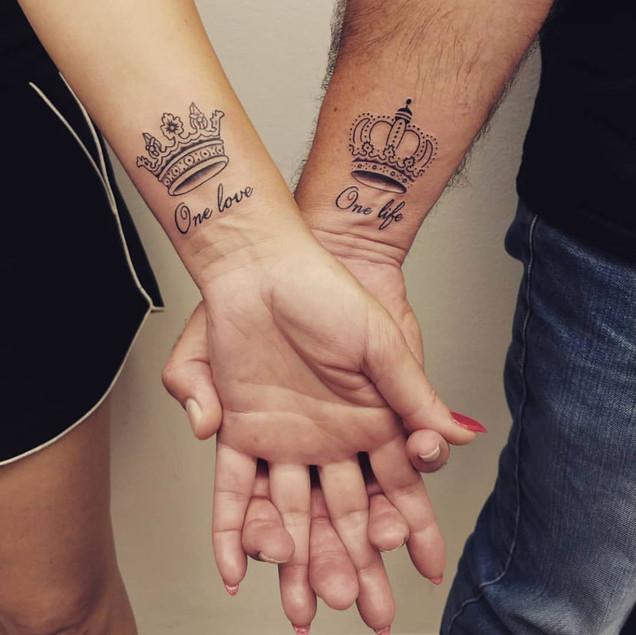 c91cd23224fd8 Beautiful Couple Tattoos | Wedding Anniversary Tattoos | Aliens Tattoo