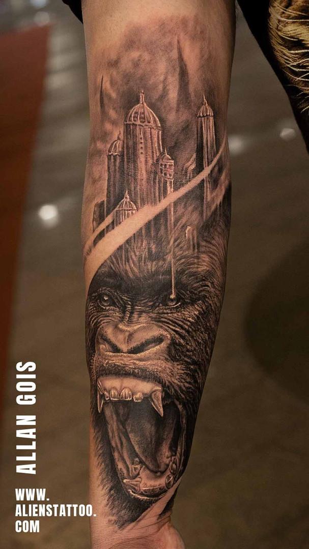 gorilla-realistic-portrait-tattoo-heartw
