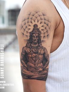 shiva-meditating-tattoo-at-aliens-tattoo