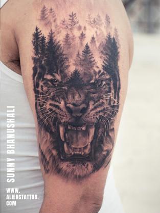 hyper-realistic-tattoo-tiget-portrait-ta