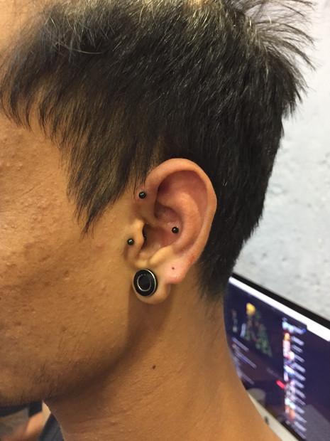 lobe-piercing-by-ali-sameer