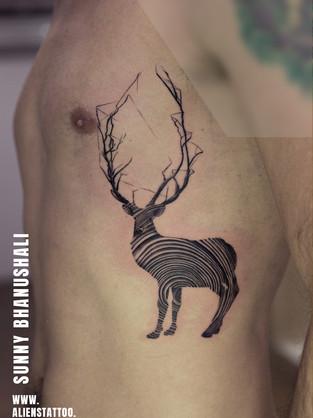 line-art-deer-tattoo.jpg