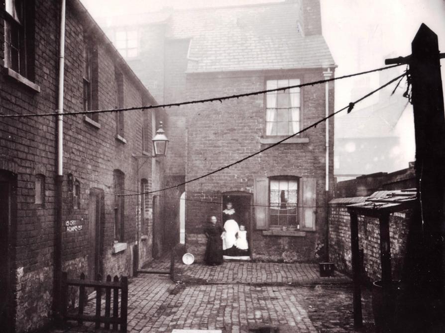 Adam Street Slum Clearance c.1905.png