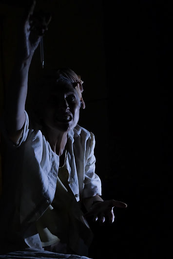 MAT in Descent, Caroline Burns Cooke as Rachel (2) (Photo by Kate Green).jpg
