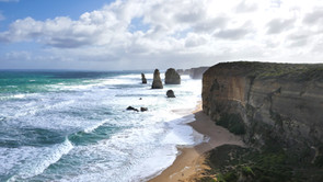 GREAT OCEAN ROAD: WHAT TO SEE ALONG ONE OF THE MOST BEAUTIFUL ROADS IN THE WORLD.