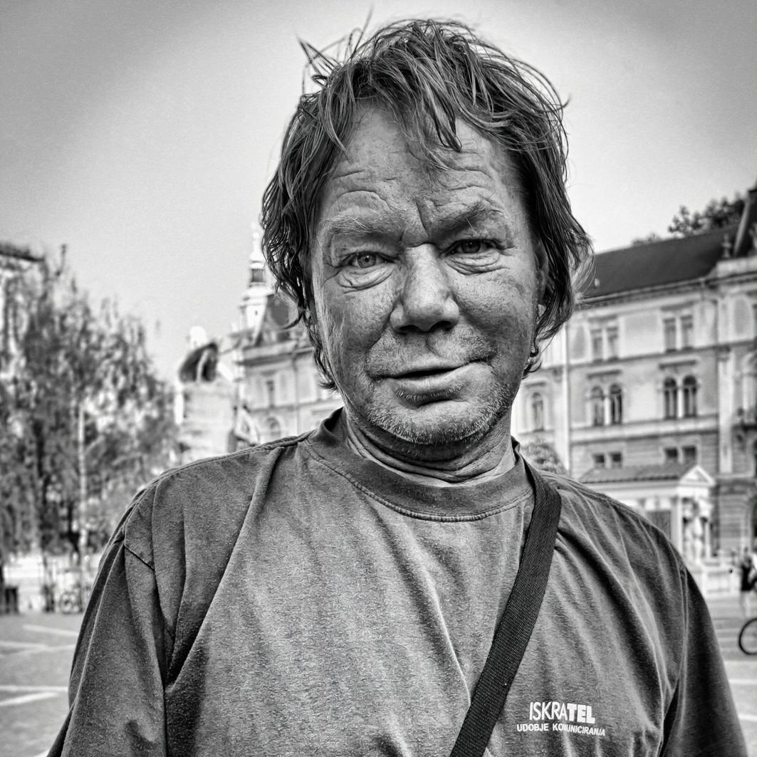 Homeless people I_cr-SharpenAI-sharpen.j
