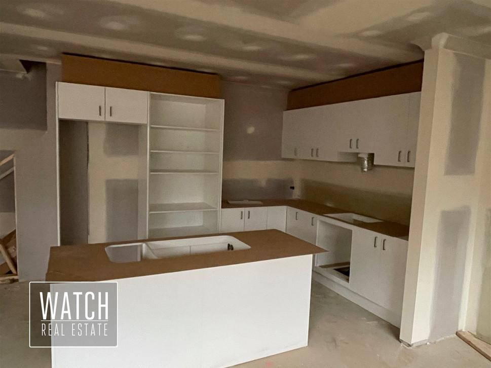 unit-33-kitchen-2jpg