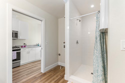 studio bathroom1