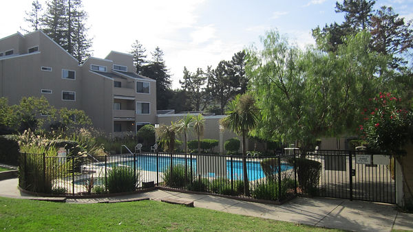 Hamilton Woods Exterior and Pool Area