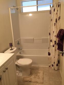 Glenn Manor Bathroom