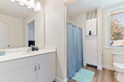 1 bd bathroom2
