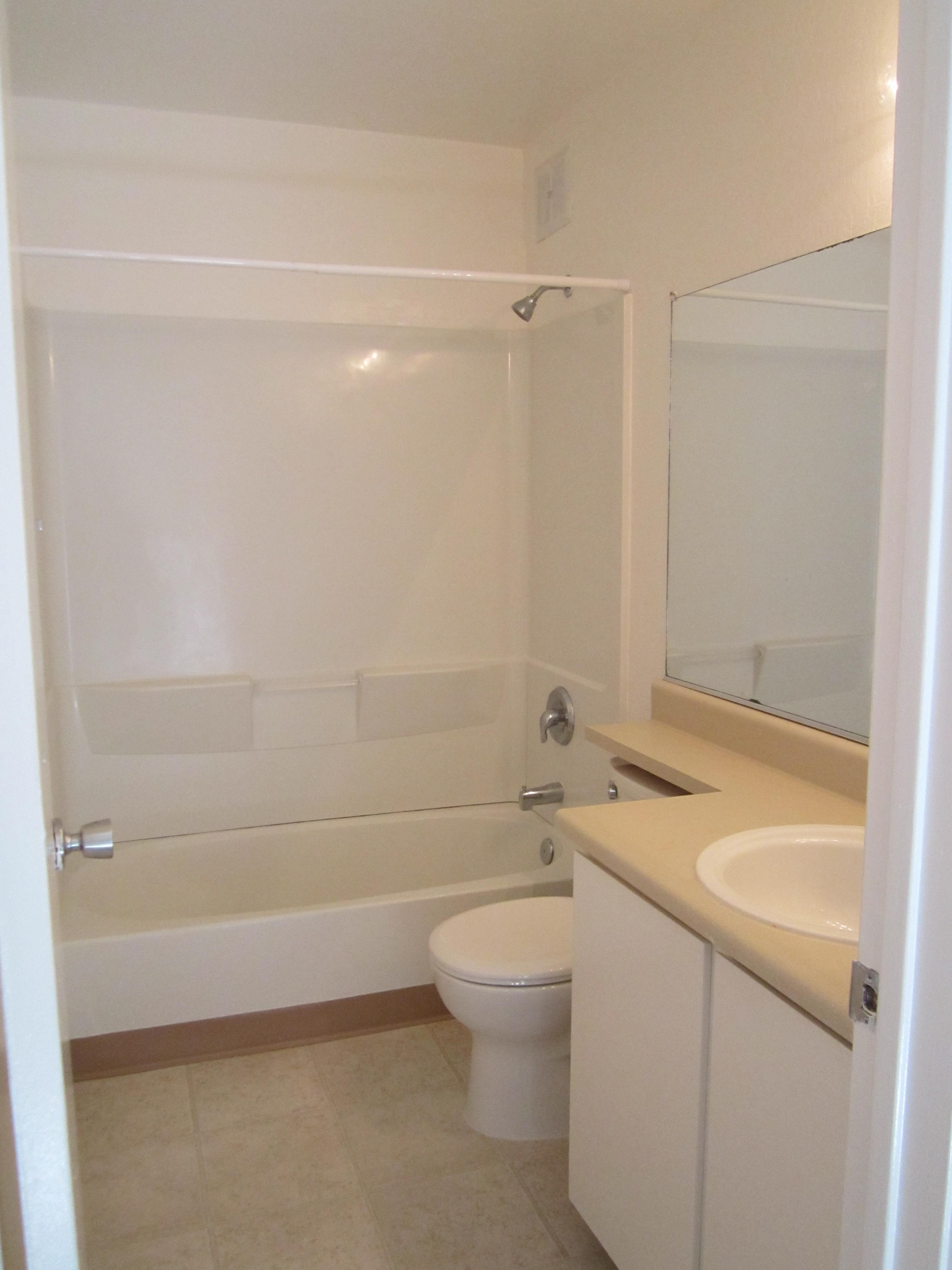 Hamilton Woods Bathroom