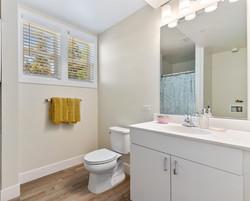 edgeway apartments bathroom view - one bedroom