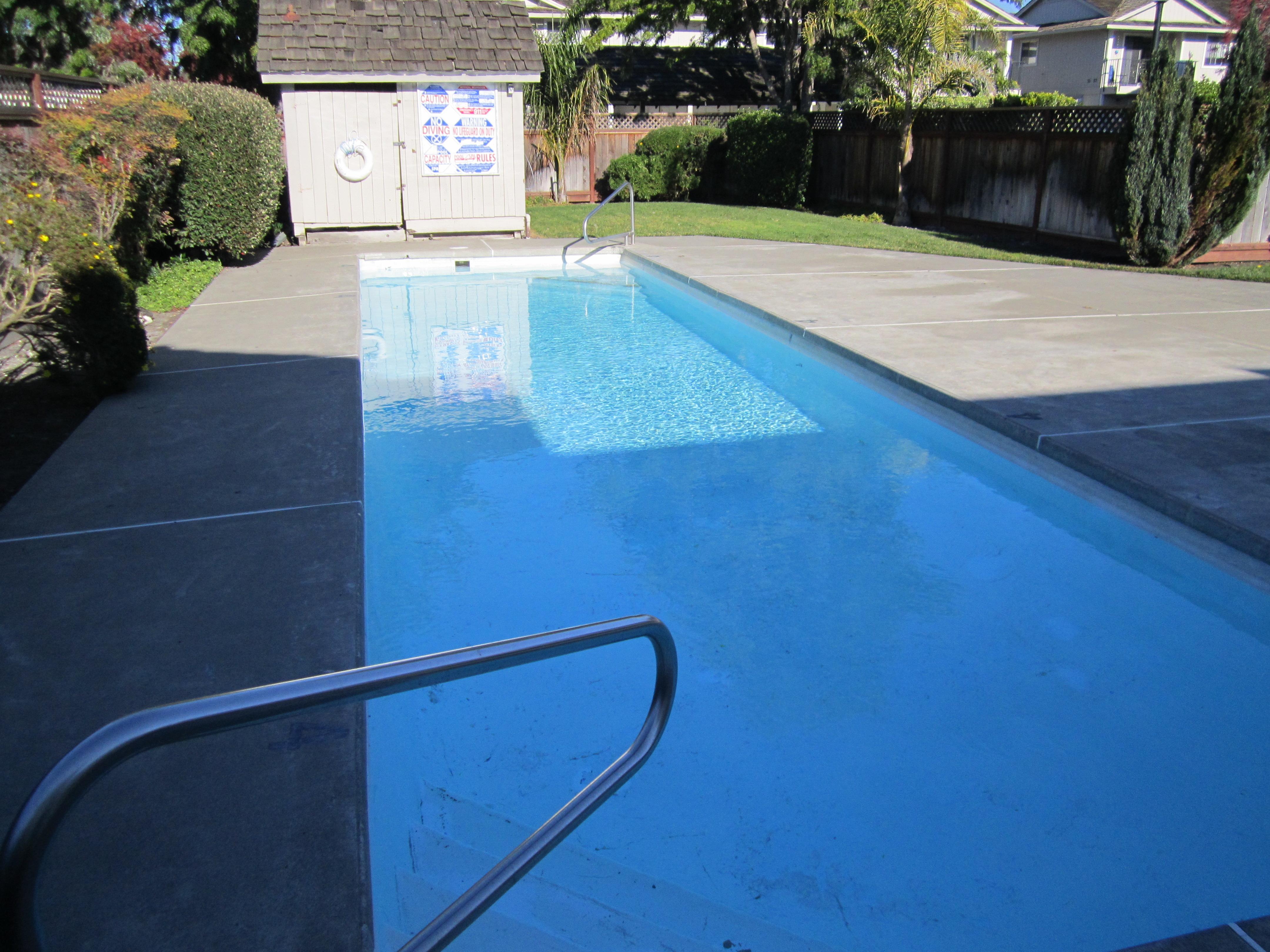 Glenn Manor Pool