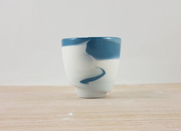 """Tasse à café """"allongé"""" en porcelaine, coloris bleu foncé"""
