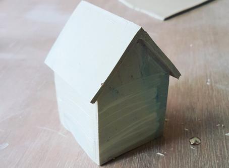 Petite maison en porcelaine...