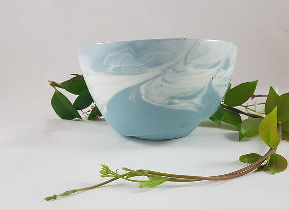 Petit saladier en porcelaine, variations de bleu