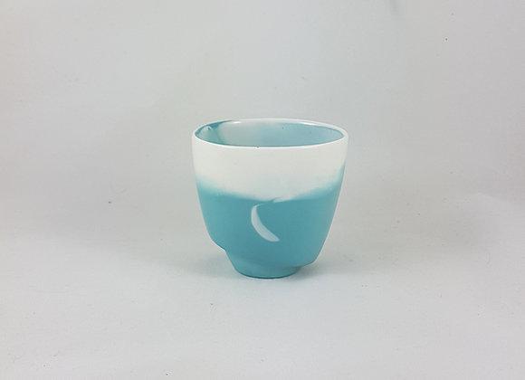 """Tasse à café """"allongé"""" en porcelaine, coloris céladon"""