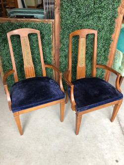 Hensley Chair Set