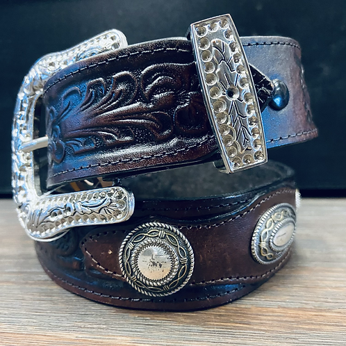 Barbwire Concho Belt
