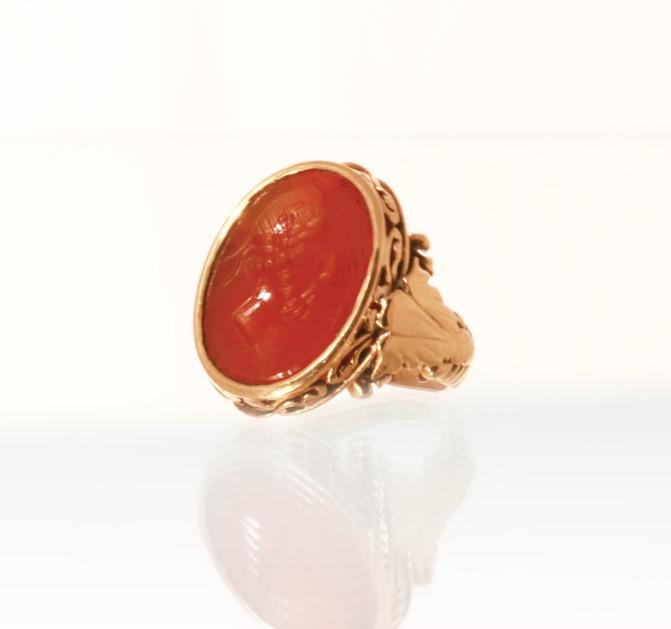 C'est quoi une bague à entaille ? What is an intaglio ring?