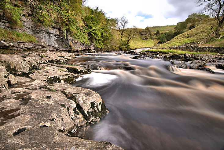 Vanguard VEO2 tripod at Ingleton Falls - Review