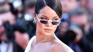 15 Female Celebrities Who Look Much Cooler With Their Glasses