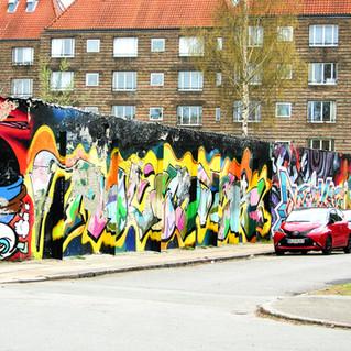 pealing paint Norreboro Copenhagen .jpg