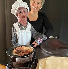 Juffrouw Jannie bakt pannenkoeken.jpg