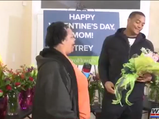 1,000 flowers for his mom from local Super Bowl champion