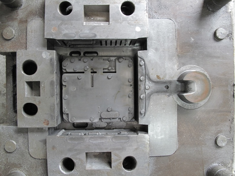 alloy mold